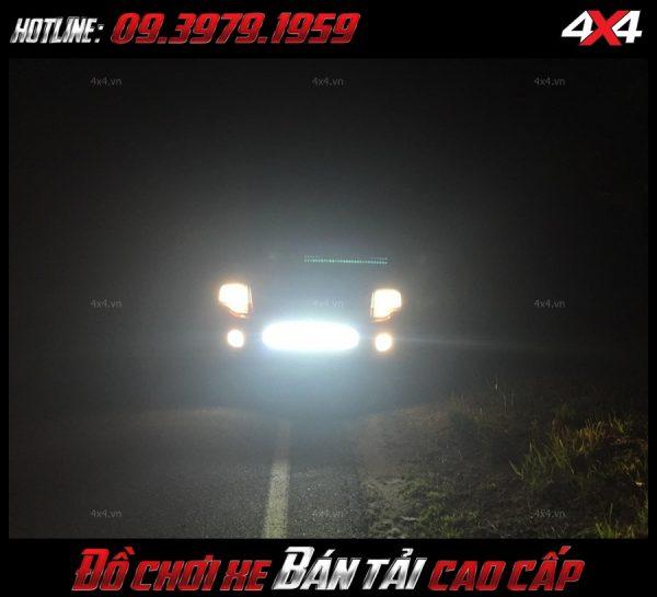 Đèn led bar ô tô: Đèn led bar là phụ kiện cần thiết để giúp soi sáng cho xe Ford Ranger, xe 4 bánh vào ban đêm